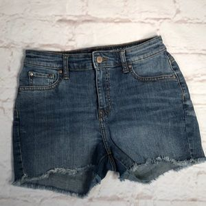 Gap High Waist Jean Shorts. Size 0/25